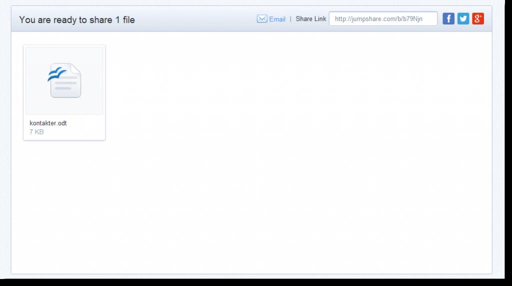 Filen hamnar prydligt till vänster och länken finns till höger redo att delas.